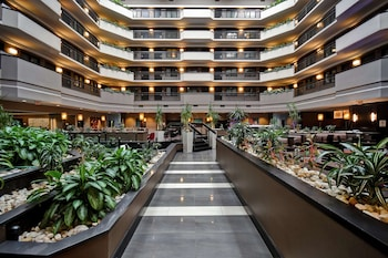 Picture of Embassy Suites by Hilton Dulles Airport in Herndon