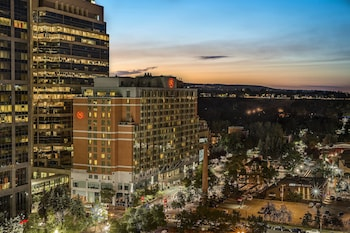 Picture of Sheraton Suites Calgary Eau Claire in Calgary