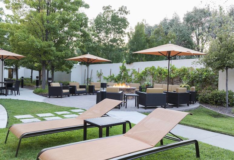 Courtyard by Marriott Livermore, Livermore, Z zewnątrz