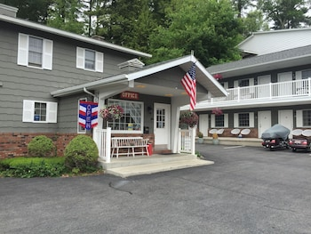 056d80a9f04 Top 10 Cheap Hotels in Lake George from $49/night | Hotels.com