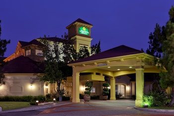 Choose This Cheap Hotel in Fremont