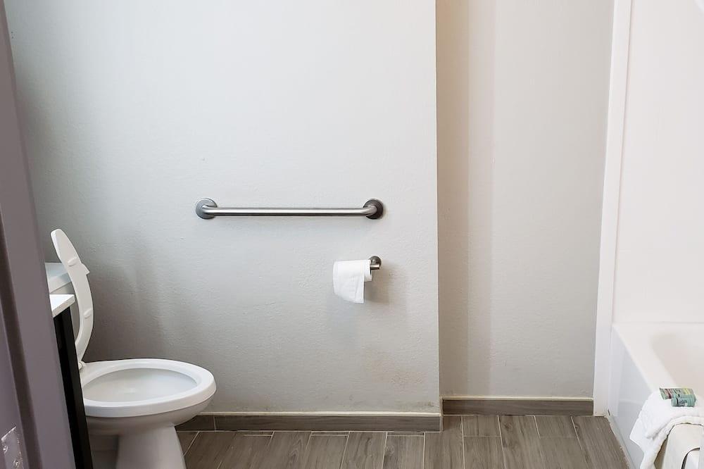 Standarta numurs, 1 divguļamā karaļa gulta, nesmēķētājiem (Walk-in Shower) - Vannasistaba
