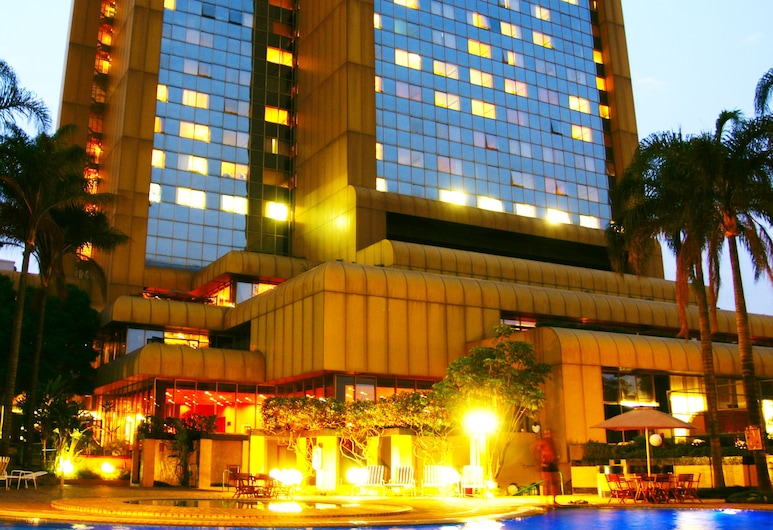 Rainbow Towers Hotel And Conference Centre, Harare, Outdoor Pool