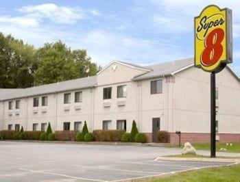 Enter your dates to get the Grove City hotel deal