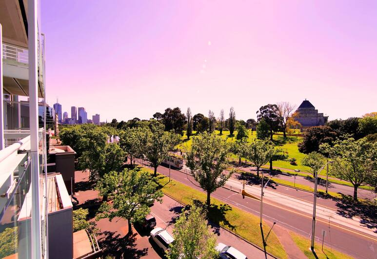 Seasons Botanic Gardens, Melbourne, Family Studio Suite, Balcony