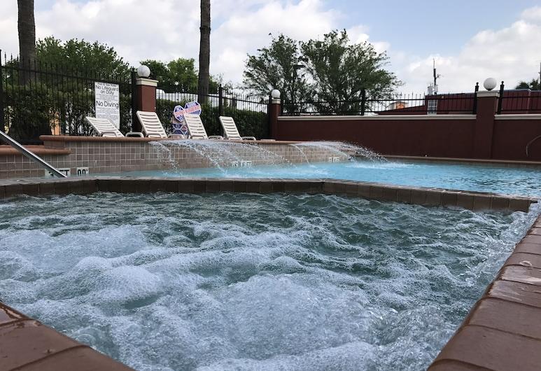 Quality Suites Cy - Fair at Jones Road, Houston, Außen-Whirlpool
