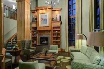 Picture of Holiday Inn Express & Suites Atlanta Buckhead in Atlanta