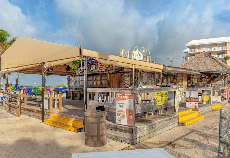Postcard Inn On The Beach, St. Pete Beach, Strandbar