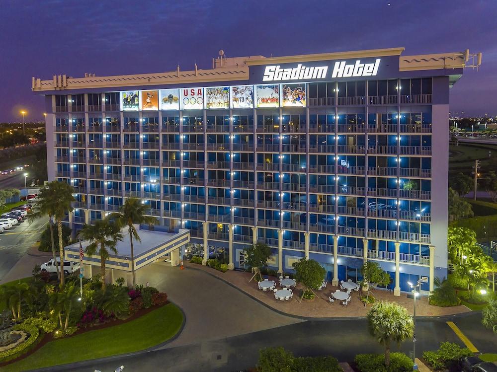 Stadium Hotel, Miami Gardens