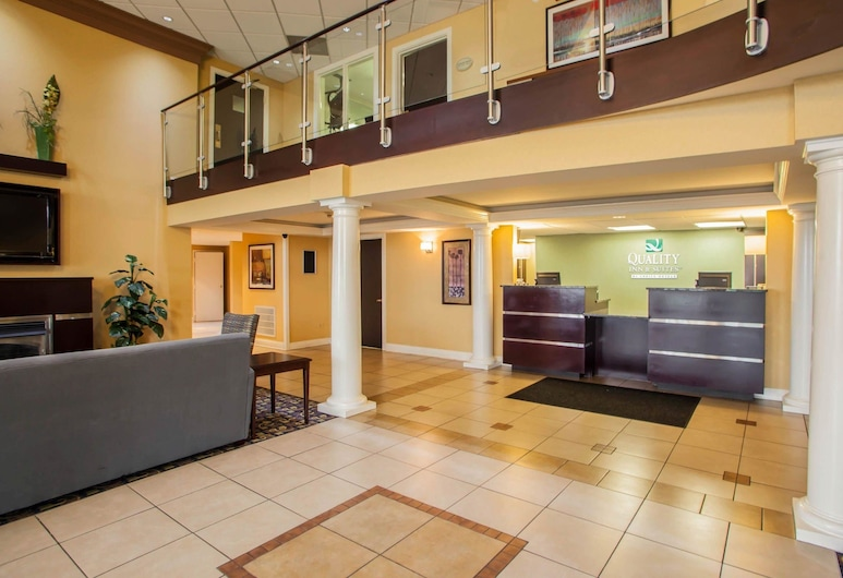 Quality Inn and Suites St Charles -West Chicago, St. Charles, Lobby