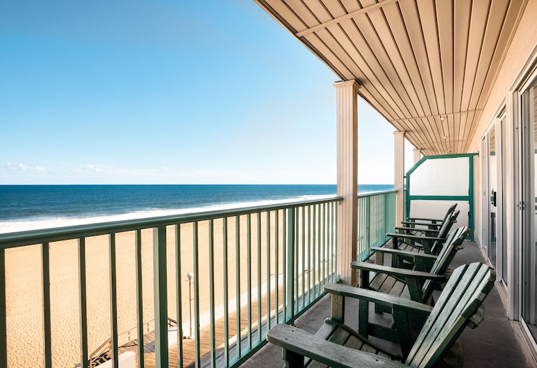 Days Inn by Wyndham Ocean City Oceanfront, אושן סיטי, חדר, 2 מיטות זוגיות, ללא עישון (One-Bedroom, Ocean Front), מרפסת
