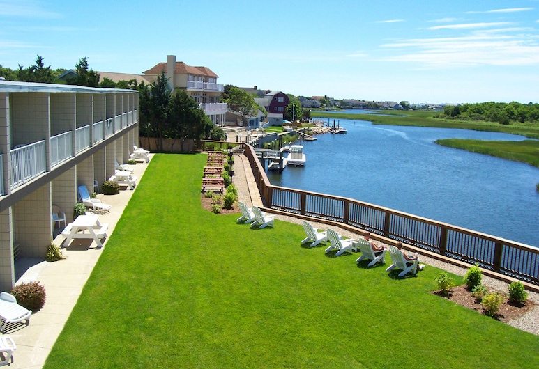 Riverview Resort, a VRI resort, South Yarmouth, Room, 2 Bedrooms, 2 Bathrooms, Water view