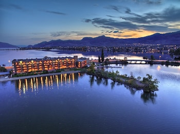 Picture of Holiday Inn Hotel & Suites Osoyoos in Osoyoos