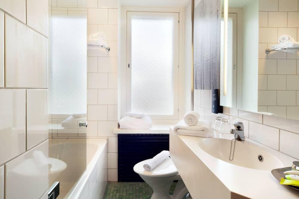 Superior Room, 1 Twin Bed - Bathroom