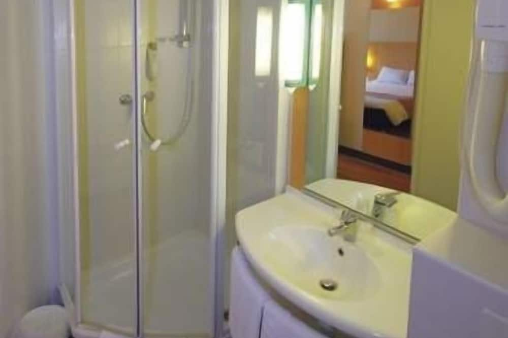 Room for 1 or 2 persons - Bathroom