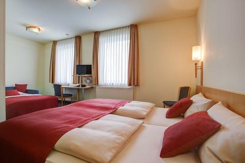 孔蒂旅程旅館酒店/