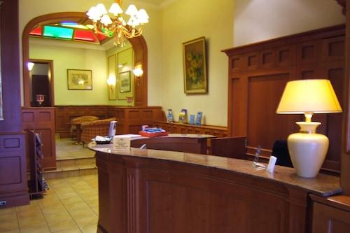 凱撒霍夫城市酒店/