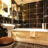 Superior Double Room (Castle Superior) - Bathroom