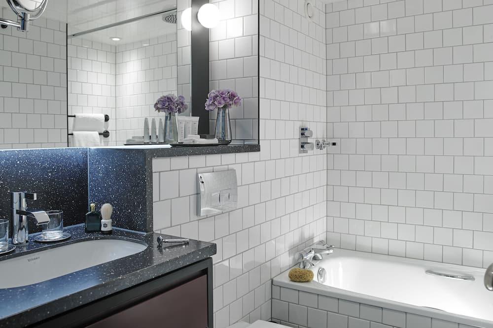 クラシック ルーム キングベッド 1 台 - バスルーム
