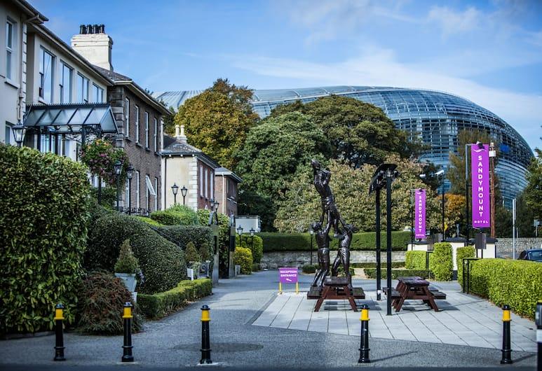 Sandymount Hotel, Dublin, Exterior