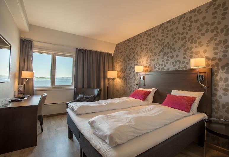 First Hotel Victoria, Hamar, Panorámás szoba kétszemélyes ággyal, 1 queen (nagyméretű) franciaágy, kilátással a tengerre, Vendégszoba