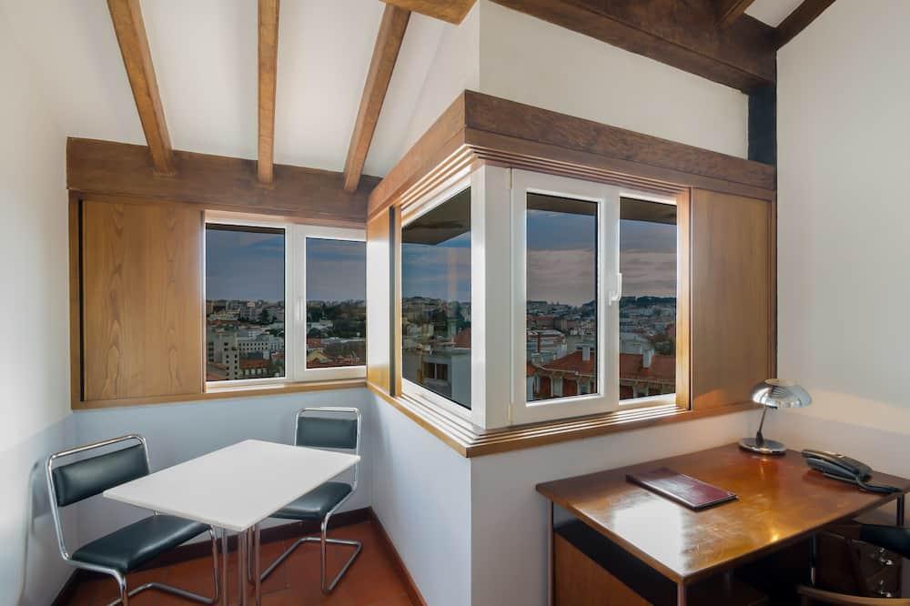 Apartmá, dvojlůžko (180 cm), výhled na město - Pokoj