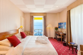 Enter your dates to get the Montreux hotel deal