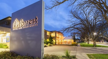 Gambar Forrest Hotel and Apartments di Forrest