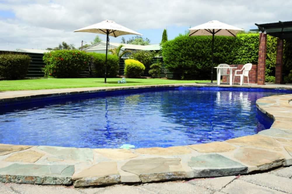 ห้องสแตนดาร์ด - สระว่ายน้ำกลางแจ้ง