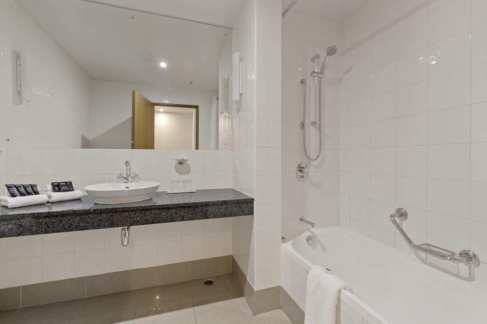 Premium kamer, 1 twee- of 2 eenpersoonsbedden, uitzicht op bergen - Badkamer