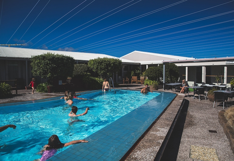 Brentwood Hotel, Wellington, Outdoor Pool