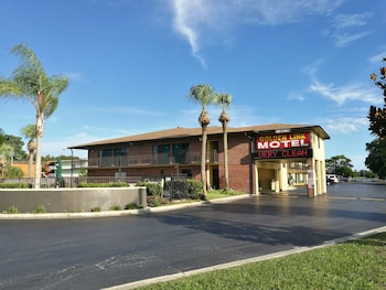 Choose This 2 Star Hotel In Kissimmee