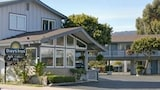 Choose this Motel in Monterey - Online Room Reservations
