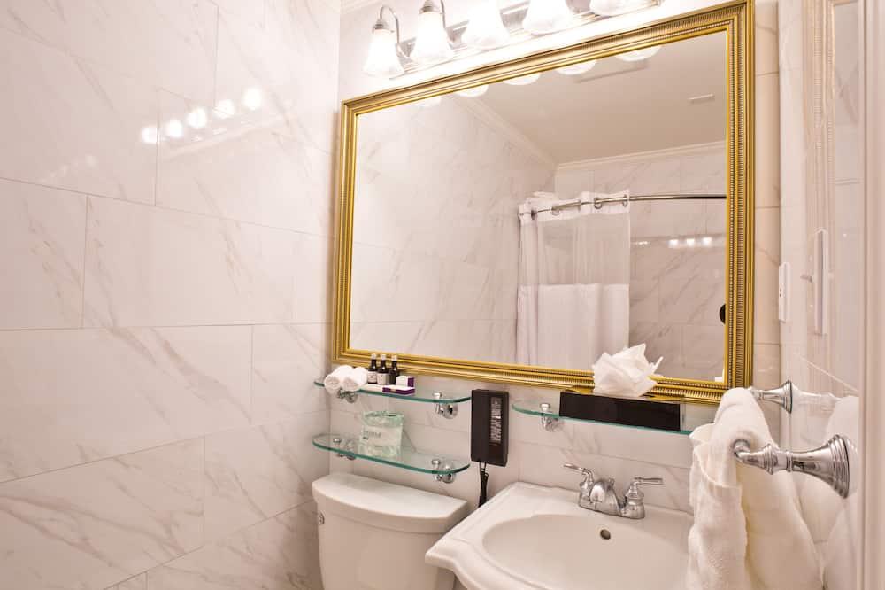 Deluxe suite, 2 bračna kreveta - Kupaonica