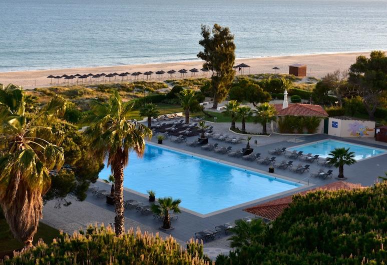 佩斯塔納若昂二世海灘和高爾夫渡假村酒店, 波提茂, 泳池