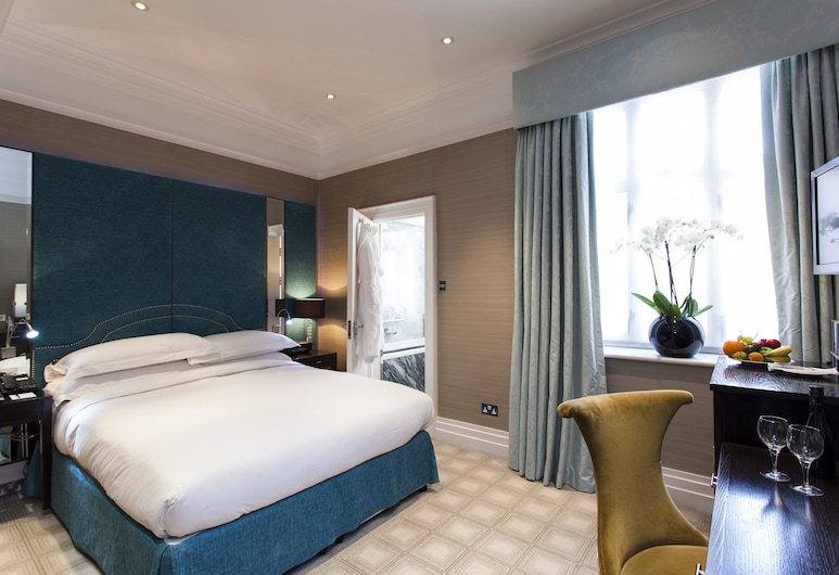 The Capital Hotel, London, Capital Townhouse Classic Room, Guest Room