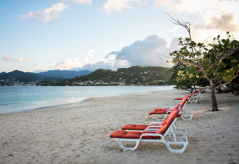 Coyaba Beach Resort, סנט ג'ורג', חוף ים