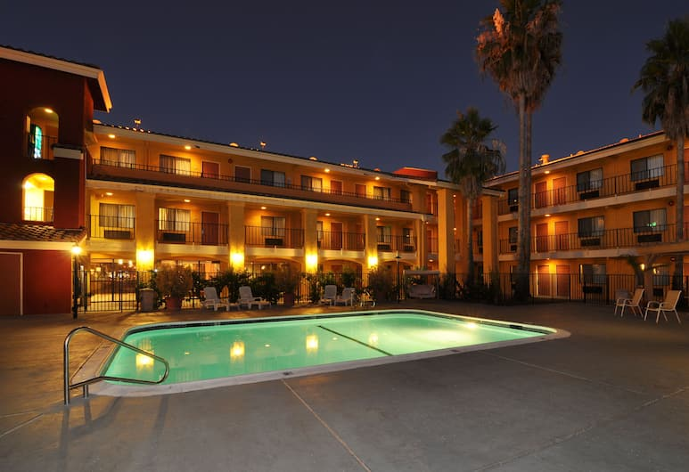 Comfort Inn & Suites Rancho Cordova-Sacramento, Rancho Cordova, Piscina all'aperto