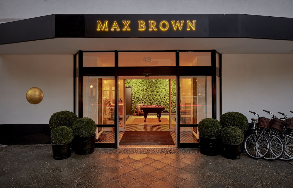 Max Brown Kudamm, Berlin
