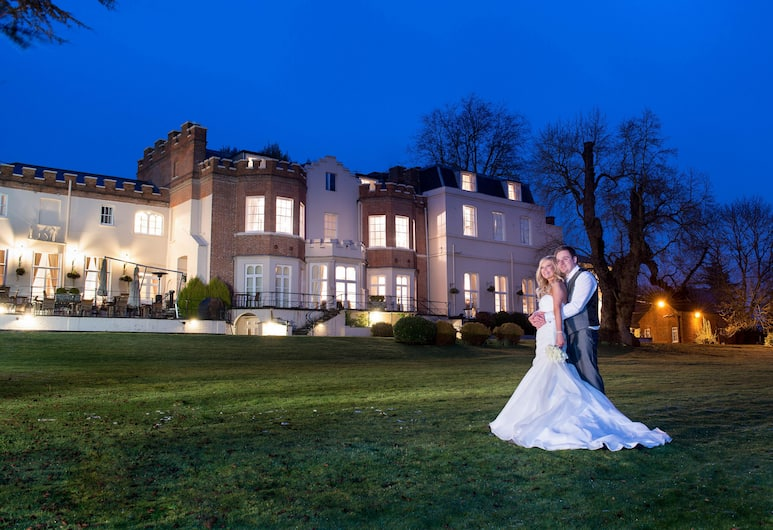 Taplow House Hotel, Maidenhead, Property Grounds