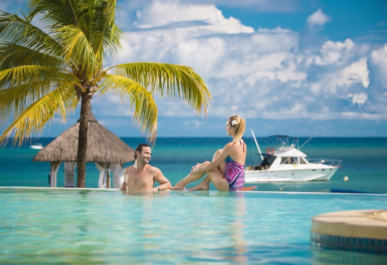 瑪麗蒂姆模里西斯水療渡假飯店, 巴拉克拉瓦, 游泳池