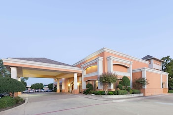 Picture of Days Inn Irving Grapevine DFW Airport North in Irving