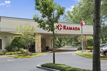 Picture of Ramada Hotel & Conference Center by Wyndham Jacksonville in Jacksonville