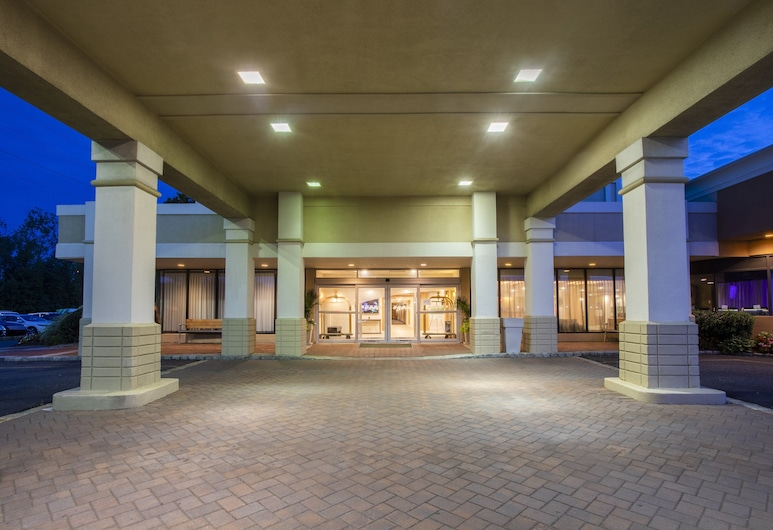 Holiday Inn Hotel & Suites Parsippany Fairfield, Parsippany