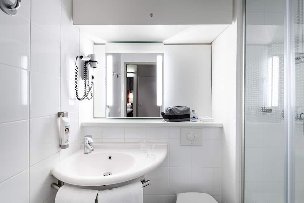 Standartinio tipo kambarys, 1 viengulė lova - Vonios kambarys