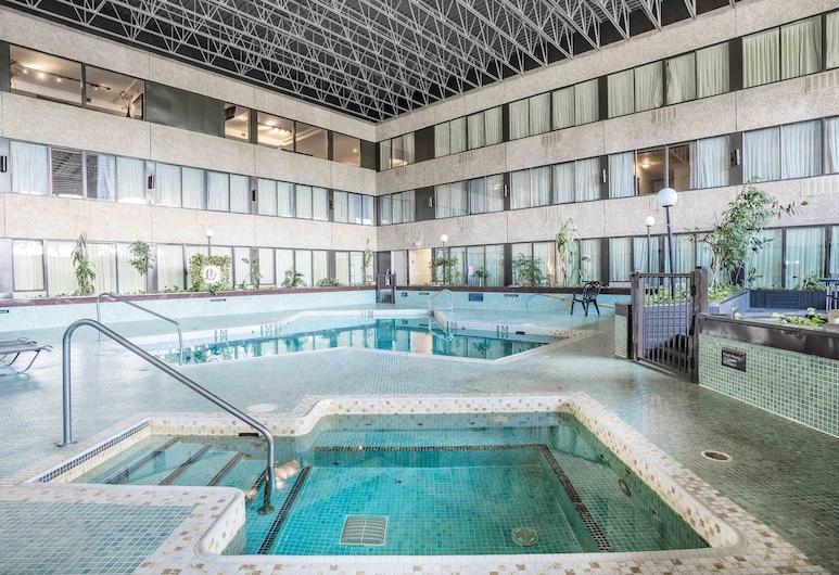Sandman Hotel Penticton, Penticton, Indoor Pool