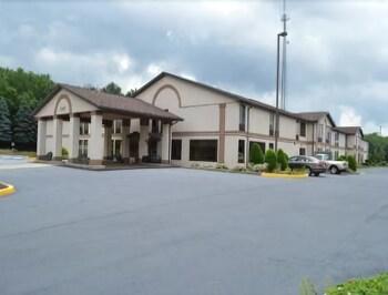 Picture of Days Inn by Wyndham Blairsville in Blairsville