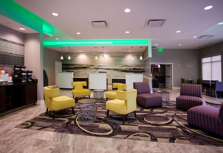 La Quinta Inn & Suites by Wyndham Virginia Beach, Virginia Beach, Lobby