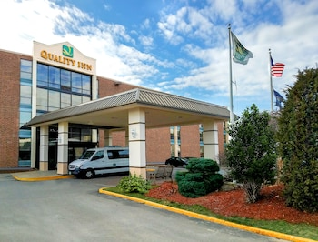 Picture of Quality Inn Manchester Airport in Manchester