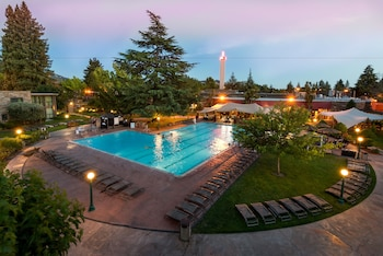 Picture of Flamingo Conference Resort & Spa in Santa Rosa
